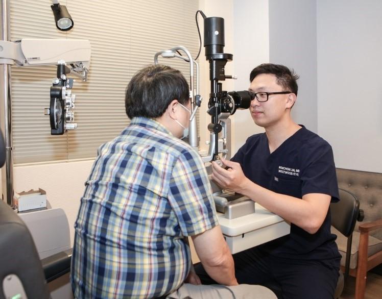 Ethan-Wonchon-Lin-MD-Doctor-Comprehensive-Eye-Exam-Las-Vegas-NV